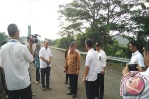 Menteri Basuki tinjau pembangunan akses Dryport Cikarang