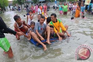 Ribuan rumah terendam banjir pasang di Belawan