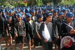 "Ribuan warga ""Seba Baduy"" ke Gubernur Banten"