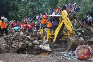 Lima korban banjir bandang Magelang ditemukan tewas