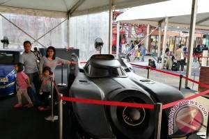 Terpajang tiga edisi di IIMS, Batmobile masih jadi daya tarik