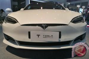 Tesla Model 3 meluncur besok, era baru mobil listrik harga terjangkau
