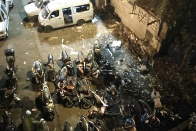 Ledakan Kampung Melayu : dugaan sementara bom bunuh diri