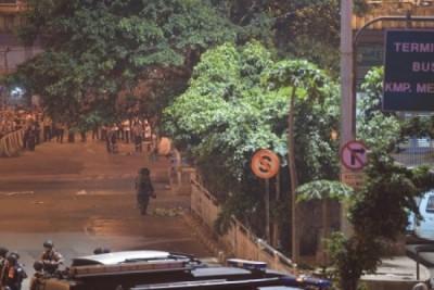 Luka yang diderita dua polisi akibat bom Kampung Melayu