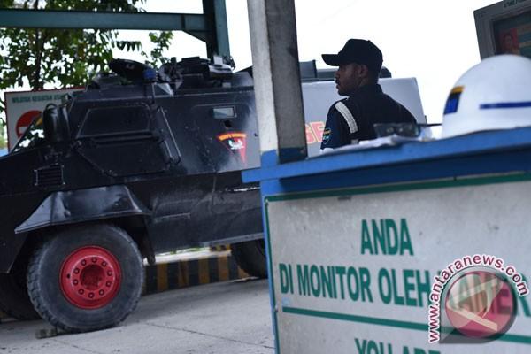 Karyawan mogok masih blokade jalan Timika-Tembagapura