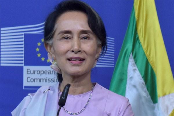 Suu Kyi lewatkan sidang umum PBB untuk atasi krisis Rohingya