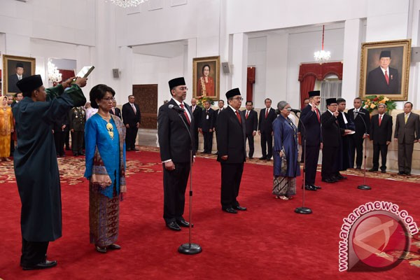 President inaugurates six ambassadors to friendly countries
