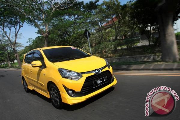 Kuning warna favorit New Agya di Jatim