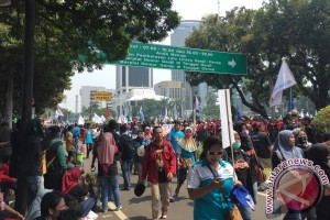 Aksi May Day, jalan Medan merdeka macet
