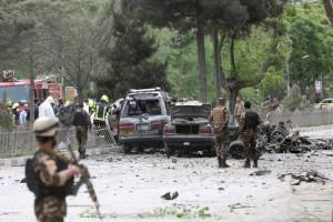 Bom bunuh diri lukai beberapa tentara Lebanon