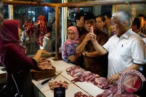 Mendag dan Ridwan Kamil sidak ke pasar Kosambi