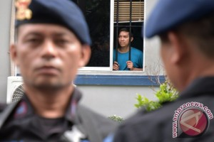 Berita menarik kemarin, tahanan kembali diringkus hingga ibu menangi Rinjani 100