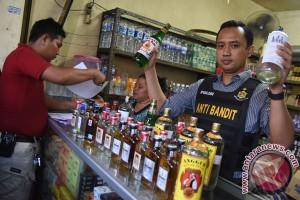 Razia Minuman Keras Jelang Ramadhan