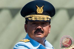 34 Pati TNI-AU terima pisau Bhuwana Paksa