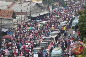 Pemprov DKI tertibkan PKL Pasar Tanah Abang jelang Ramadhan