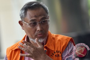 KPK perpanjang tahan tiga pejabat PT PAL