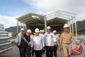Kunjungi Pabrik Material Baja