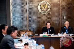 Pemimpin DPR tunggu keputusan fraksi soal angket KPK