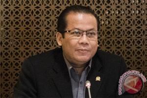 Taufik bantah hadiri Pansus KPK didesak Amien