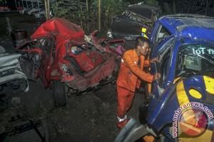 Cipularang macet panjang akibat kecelakaan beruntun