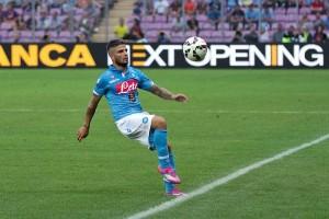 Napoli buntuti AS Roma usai tundukan Fiorentina 4-1