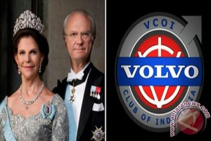 Swedish monarch meets Volvo community at old city