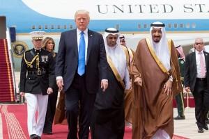 Trump tampak dukung negara Arab isolasi Qatar