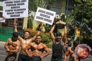 Aksi Mengecam LGBT