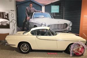Former James Bond actor Roger Moore dies aged 89
