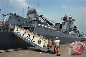 Angkatan Laut China dan Rusia mulai latihan bersama