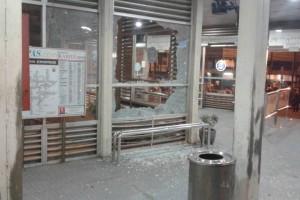 Ledakan di Kampung Melayu, halte TransJakarta ditutup