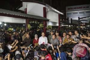 Presiden Jenguk Korban Bom