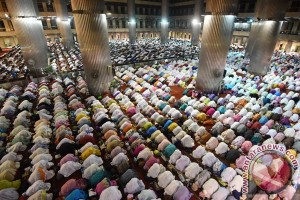 About 150,000 people expected to perform prayers at Istiqlal Mosque
