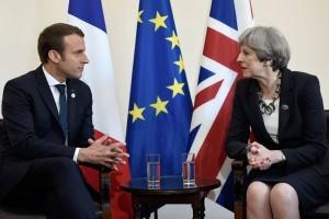 """Macron katakan """"pintu selalu terbuka"""" untuk Inggris tetap di UE"""