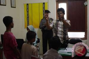 Petugas tangkap dua bocah lempari KA Logawa
