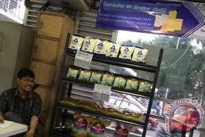 Sembako di Transjakarta, peminat terkendala uang elektronik (Video)