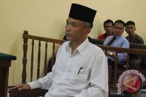 Vonis Penulis Buku Jokowi Undercover