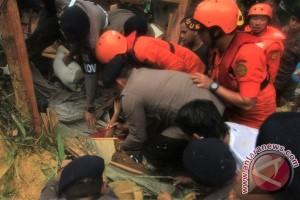 BPBD : satu korban tanah longsor Kendari meninggal