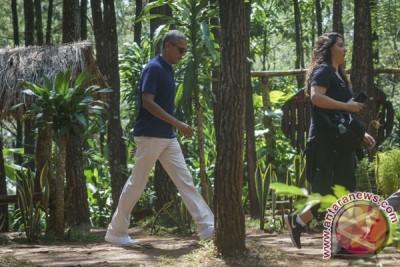 Obama Kunjungi Puncak Becici