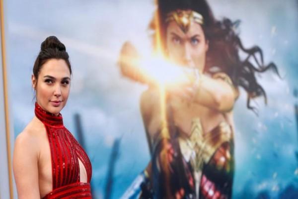 """Dibintangi Gal Gadot Asal Israel, """"Wonder Woman"""" Dilarang Tayang"""