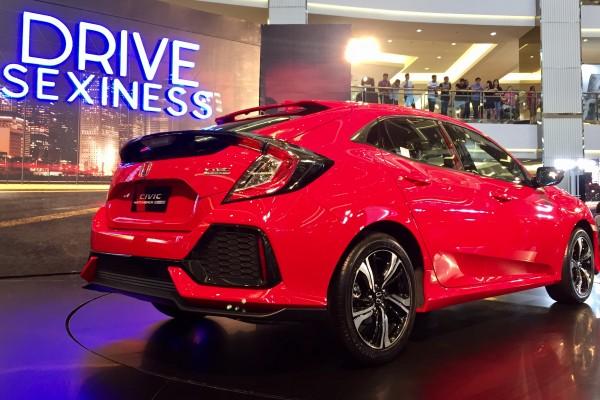 Luncurkan Civic Hatchback, Honda Goda Pengguna Jazz