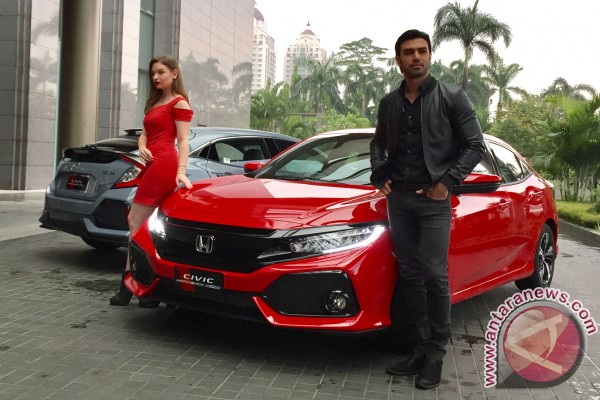 Berkenalan dengan Honda Civic Hatchback Turbo (video)