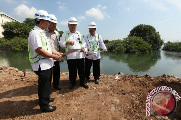 Antisipasi gangguan pada jalur mudik, Kementerian PUPR tangani banjir rob di Semarang