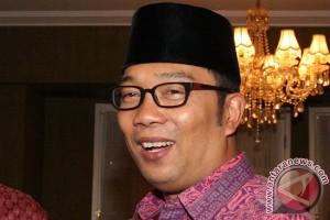 Tak tahu ada larangan, Ridwan Kamil mengaku cuma diajak doakan Persib