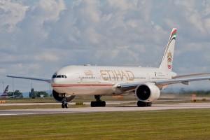Pesawat Etihad dari Abu Dhabi mendarat darurat di Australia