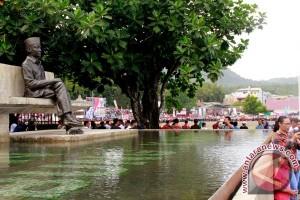 Bung Karno, pohon sukun dan Pancasila