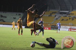 Sriwijaya FC sementara unggul 3-0 atas Mitra Kukar