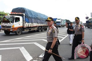 Gubernur Jateng dan Kapolda Metro kompak lepas pemudik gratis