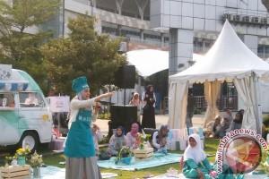 Ramadan, Dewi Sandra sibuk berbagi kebahagiaan