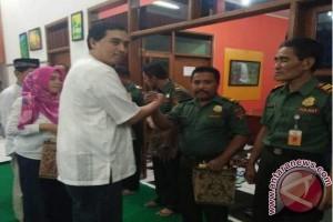Dirut Perhutani beri tali asih untuk karyawan penangkap oknum pencuri kayu Perhutani